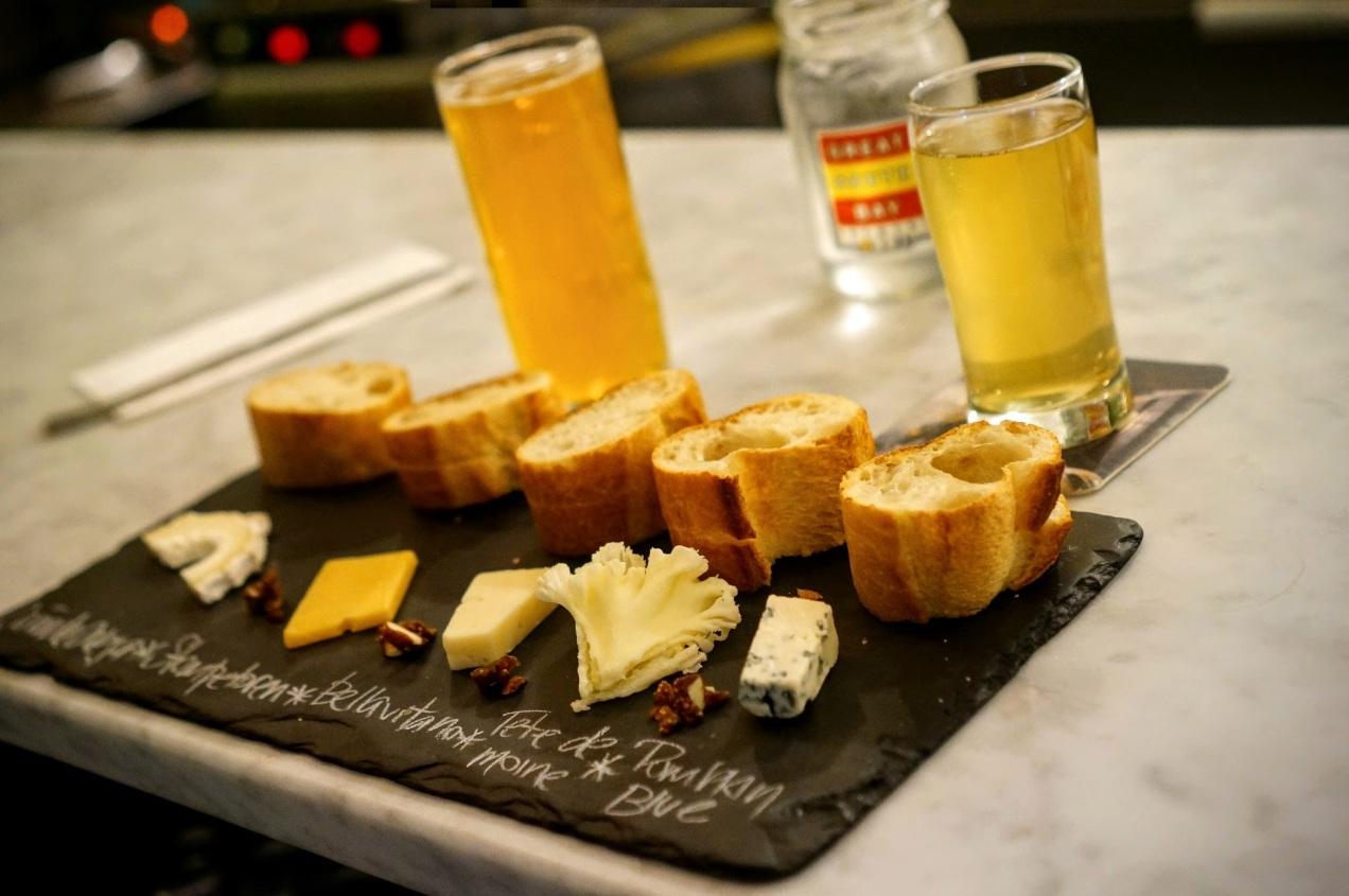 Astoria Bier & Cheese